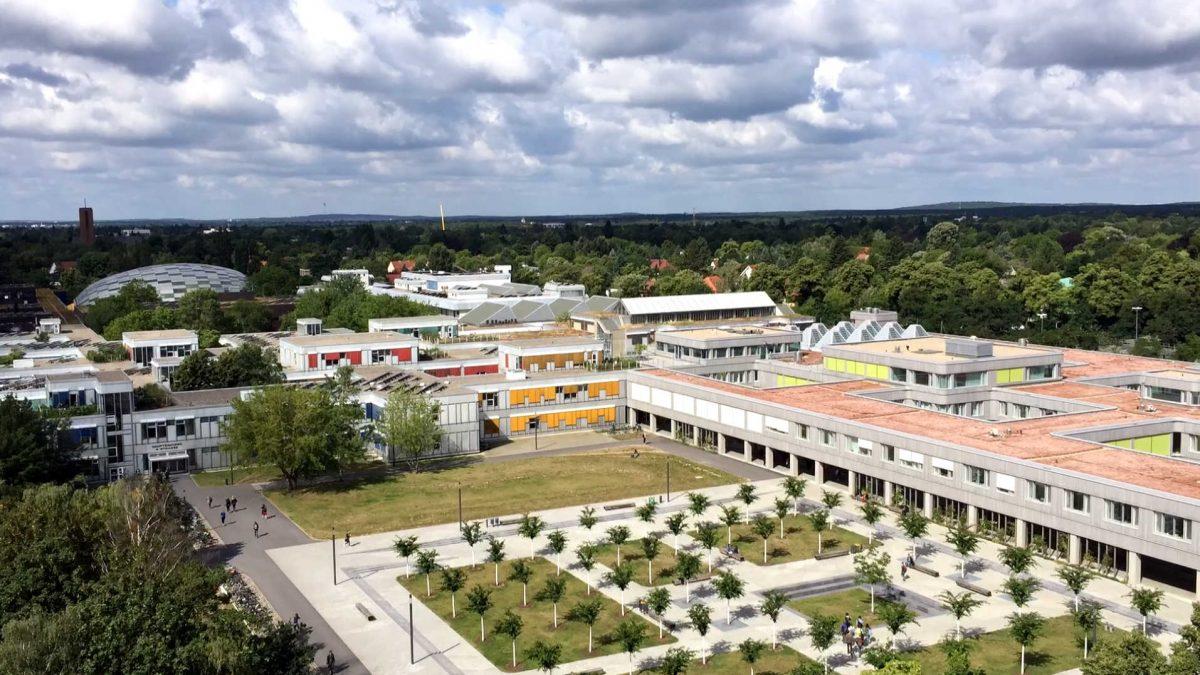 Video: Der Haupt-Campus der Freien Universität im Zeitraffer