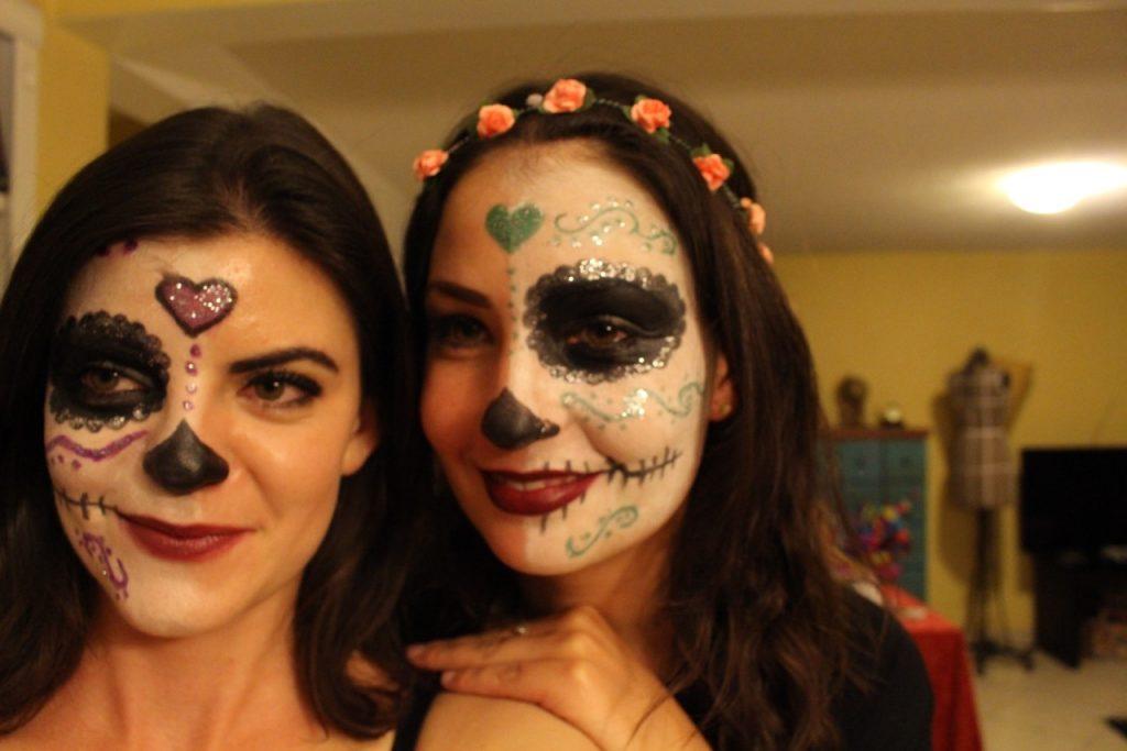 "Estefanía feierte in Mexiko-Stadt mit einer Freundin den ""Día de los Muertos"". Foto: Privat"