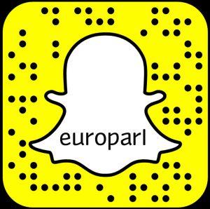In der App Snapchat einfach dieses Bild scannen und des Beiträgen des Europäischen Parlaments folgen