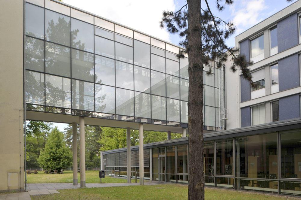 Bibliothek für Sozialwissenschaften und Osteuropastudien nun auch für externe Nutzer*innen geöffnet