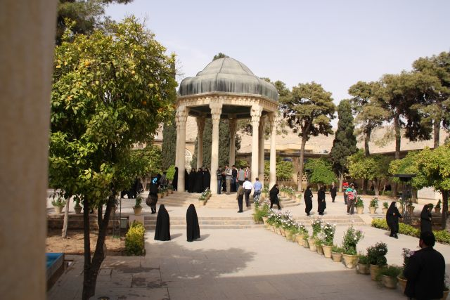 Das Grab des Dichters Hafiz