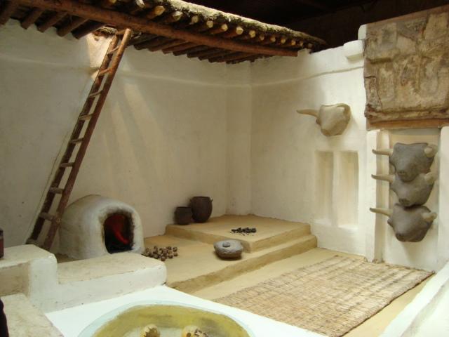 Rekonstruktion eines Raumes von Catal Höyük im Museum in Ankara