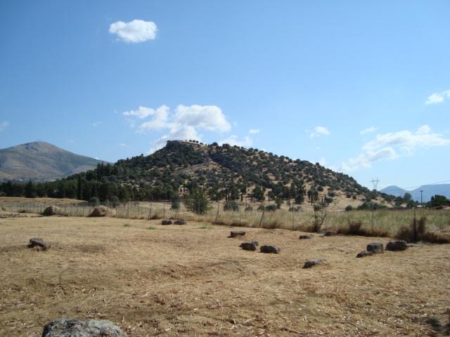 Blick auf die Akropolis von Eretria