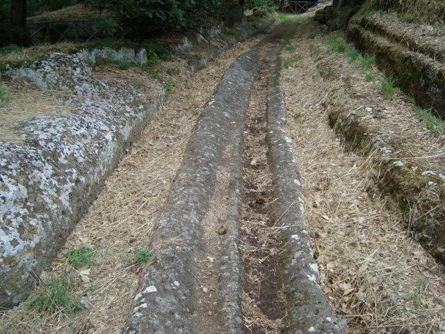 Straße mit Wagenspuren aus der Etruskerzeit - Cerveteri