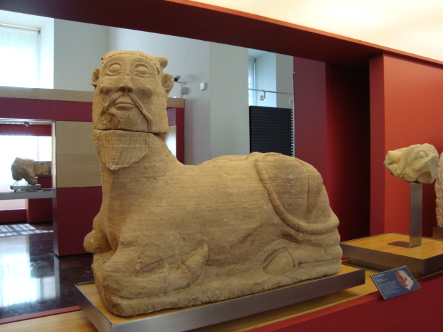 Iberische Steinskulpturen - Mischwesen aus östlichen und westlichen Elementen