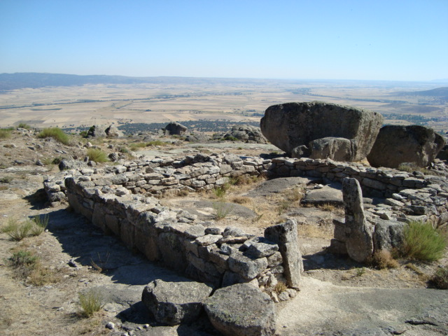 Ulaca - Hausgrundrisse mit Blick auf die Landschaft