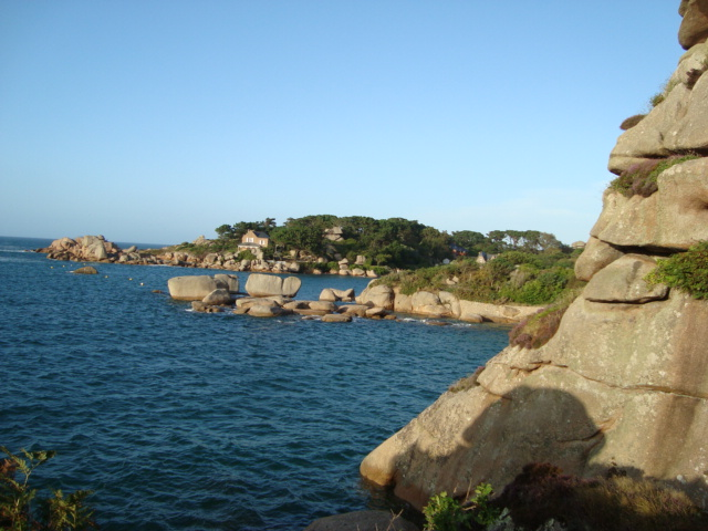 An der Rosa-Granit-Küste