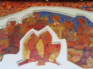 Detail des großformatigen Mosaiks der Eingangsfront zum Pionierpalast.